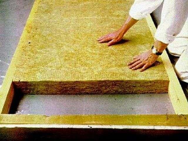 Як зробити стелю в деревяному будинку