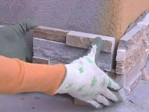 Оздоблення передпокою декоративним каменем